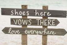 Strandhochzeit / Du willst barfuß heiraten und den Sand zwischen den Zehen spüren, wenn Du dem Herzensmann das Ja-Wort gibst? Alles rund um die romantische Feier am Strand