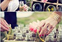 Unsere Hochzeitslieblinge / Brautflohmarkt liebt: alles, was Ihr auf diesem Board findet. Piñatas, selbstgemachte Blumengirlanden – Freundinnen, die mit der Braut fiebern, Trauzeugen, die dem Bräutigam zur Seite stehen