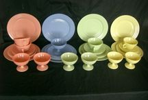 Very VTG Kitchen Dish Sets / by Jobie Lyne Christy