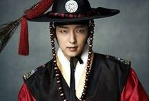 Ли Джун Ки 이준기 Lee Joon Gi 李準基 / Актер, модель и певец ☆  День рождения: 17.04.1982