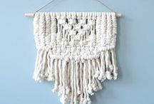 Tissages muraux - Wall hanging / Tendance actuelle!  Les tissages muraux sont faciles à installer et donnent une texture douce et chaleureuse à l'espace. ................. Actual trend!  Wall hanging are easy to install and the soft texture gives a warm and cosy look to the space.