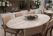 Sala de jantar e Mesas postas