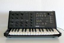Keyboards / Musical Keyboards