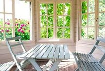 Sunroom Ideas / Nothing better to clear the mind and cleanse the soul than some relaxing time at a beautiful sunroom. If you have it, you know. If you don't, you NEED it.