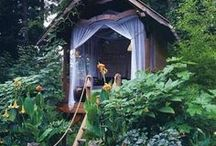 Up in the Tree House / Every child dreams of a tree house, so why not make it a reality? These ideas below are so awesome that you will want one for yourself! And btw, we do tree houses all the time at homeyou.com =)