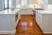 Sleek Hardwood Floors / Hardwood floors are timeless: they're the perfect balance between rustic and modern. Learn more about starting your renovations for hardwood floors at homeyou.com!