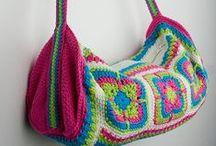 Acessórios  / Bolsas, toucas, blusas, pontos em crochê.