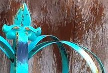 color: distressed turquoise
