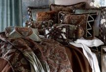 beautiful bedding / by Diane Schultz