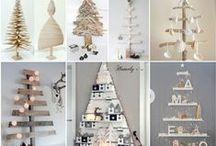 Natal com Madeira / Árvores de Natal com madeira de paletes e decorações com galhos de árvore. A sua decoração de Natal mais ecológica / by MaisPaletes .com