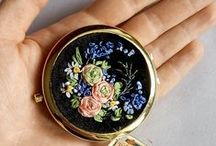 Ribbon handmade embroidery / Mirror with Silk Ribbon Hand Embroidery. Author's work. This is a wonderful Ladies ' accessory, which will effectively accentuate Your Beauty and Originality.