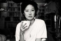 ☕ Women Coffee break ☕ / B&W