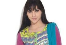 Women's Kurta's and Kurti's / Find out your best Kurta's and kurtis Collections.