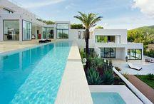 Travel & Mansions