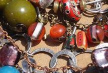 Jewellry, by Elena Gutierrez Giulianotti / Jewellry, by Elena Guitérrez Giulianotti