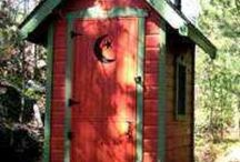 maison  , bird house