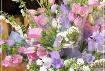 【ディスプレイ・花束スタンド】 / サロンやクリニック、飲食店様のディスプレイ用装花をお作りしています。 ピアノ教室の花束スタンドなども承ります。