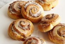 Sweet Rolls, Buns and Pastry / sweet buns and rolls