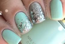 Nails / Pretty designs that I would probably butcher if attempted...
