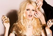 Claudia Schiffer Fashion Shoots / Claudia Schiffer striking the pose