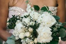 Floral Wedding Ideas and Decor / Floral Wedding Ideas and Decor: Arches, Bouquets, Dresses, Decoration, ... Perfect for a Mediterranean Wedding in Mallorca