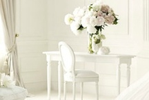 Wonderfully white / by Mary Balius