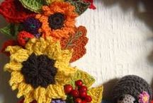 Autumn / Fall crafts / Autumn / Fall inspired crafts - ideas and tutorials on how to make autumn theme jewellery, crochet, knitting and felting projects and much more!