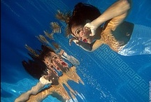 UnderWater / Underwater ... Another world just makes us dreaming away from the daily wories . Best Photos by people in the sea , the games of the reflection of the water .