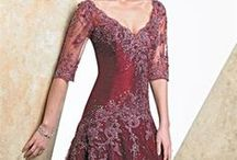 Dresses/Gowns / Beautiful things to wear and feel pretty.