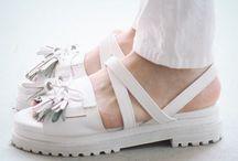 >> shoes <<