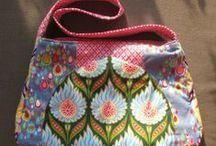 Taschen / Bags / Taschen, Täschen, Handtaschen, Hin- und Hertaschen, Tagetaschen, Kulturtaschen, Reisetaschen, Federtaschen und und und... / Any kind of bags :-)