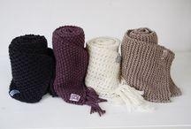 handgebreide sjaals. Handknitted scarves.