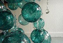 Glass objects in interior.Стекло в доме