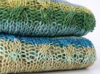 Summer Sea / Handgebreid zomer topje in zachte zeekleuren. Gebreid van luchtig ecologisch garen, dat draagt dubbel (brei)goed!