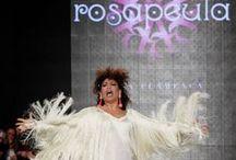Colección Edén Simof 2014 / Desfile de Rosapeula durante el Salón Internacional de la Moda Flamenca en Sevilla 2014. El desfile bajo el título de Edén se inspira tanto en la naturaleza como en lo salvaje, usando tejidos estampados con tonalidades fuertes así como seda salvaje. Con la actuación de Tatiana Garrido como invitada.