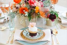 Table settings / I love beautiful table settings. It is not necessary to have expensive dishes, mix and match, run with a color scheme, flowers, napkins....candles are never out of style / by Karina from Kalifornia