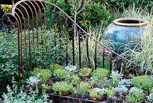 Gardenlust / Gardening is not all about weeding