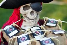 Plan a perfect pirate party! / Ideas and tips for creating the perfect pirate party for the kids featuring pirate cakes, pirate decorations and pirate inspired food. #Kids #Party #Pirate