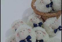 ovelhinhas - chaveiros / http://www.elo7.com.br/lelekaatelie17f10a