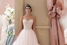 Weddings! =) / touches here and there of my dream wedding / by Ayanna M