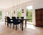 Mediterranes Wohndesign mit Naturstein / Ab in den Süden! Stonenaturelle macht es mit mediterranen Natursteinen möglich. Ob Innen- oder Aussenbereich, bringen Sie mediterranes Flair in Ihr Eigenheim!