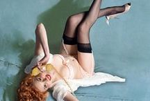 Pin Up Artist Gil Elvgren / Gil Elvgren (March 15, 1914 – February 29, 1980), born Gillette Elvgren, was an American painter of pin-up girls, advertising and illustration. Elvgren was one of the most important pin-up and glamour artists of the twentieth century. Today he is best known for his pin-up paintings for Brown & Bigelow.