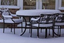 Winter Garden Furniture / Outdoor garden furniture should be just that: outdoors! All year long, even under a mountain of snow. At Lazy Susan we just love these snow covered garden furniture photographs that some of our customers have sent in...