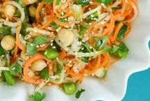 Salad Recipes / Salad are so great for your health and so delicious! There are some many different ways to fix them and so many types of salads to try. In this board I have all kinds of salads.