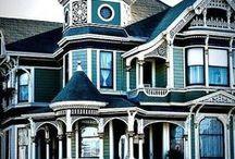 beautiful houses / by Alyssa Krestan