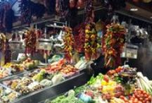 Fruites Soley Roser stall / Red hot chili peppers. My mouth is burning!