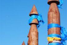 BAJKAŁ Olchon / Baikal Lake Olkhon Island / Serce Bajkału. Jest największą i najbardziej znaną wyspą na jeziorze. Jest celem każdego przyjeżdżającego nad Bajkał. Na Olchonie można naładować się bajkalską energią i spotkać się z szamanami. Z miejscem tym związanych jest wiele podań i legend. Według nich, to właśnie Wyspa Olchon jest kolebką narodu Buriatów. Inna legenda głosi, że to tutaj narodził się pierwszy buriacki szaman, otrzymując swój dar. Istnieje również mit, że na wyspie został pochowany wielki Czyngis-Chan.