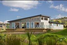 Lockwood Snells Beach / Custom-designed Lockwood holiday home by Lockwood Kumeu