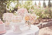 Vintage Cakes and Dessert tables / Ideas of Vintage themed cakes and dessert tables