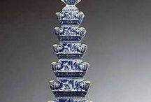 7. Delfts Blauw aardewerk. Delft blue earthenware. / Delfts blauw aardewerk. Dutch made earthenware. it is not porcelain.